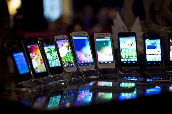 Ряд крупных производителей смартфонов в ближайшее время покинет рынок
